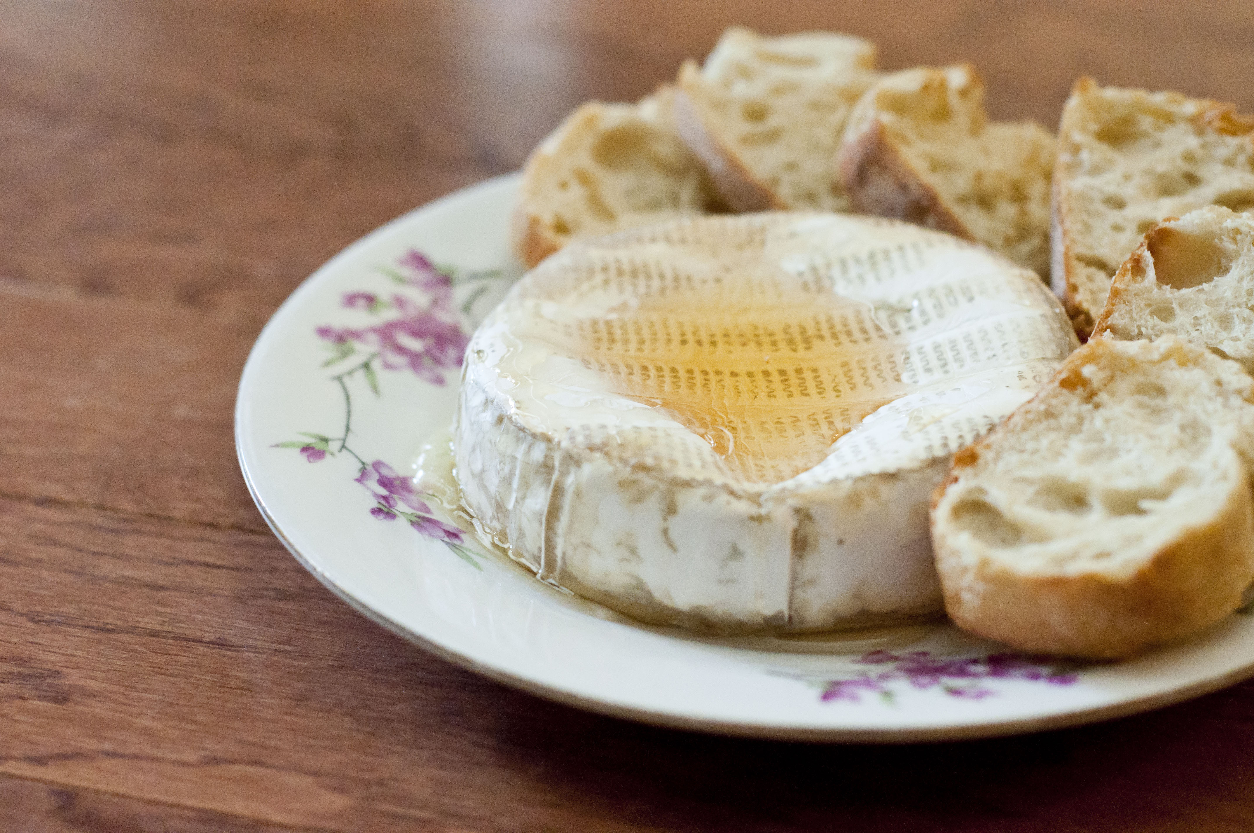 appetizer, baked brie, easy appetizer, easy baked brie, june dairy month, dairy, cheese, cheese recipe, brie recipe, easy brie recipe, easy dairy recipe, easy cheese appetizer, taste arkansas, food, cooking, recipes